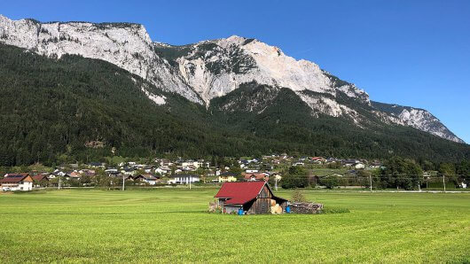landschaft-noetsch-gailtal-dobratsch